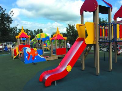 В Калининграде отремонтируют детские площадки на городских территориях