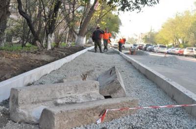Тротуар на Бородинской отремонтируют до конца лета