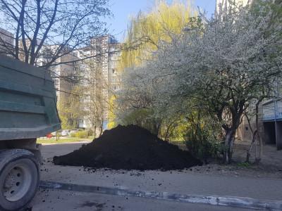 «Единая Россия» помогла благоустроить дворы Калининграда