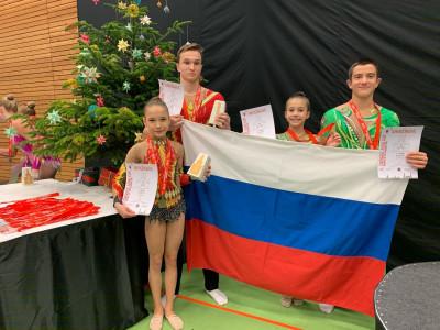 Спортивные акробаты из Калининграда завоевали восемь медалей