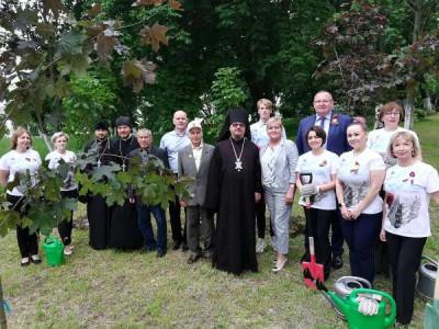 Единороссы Балтийска присоединились к акции «Сад памяти»