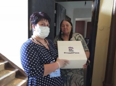 Калининградские волонтёры доставляют продуктовые наборы нуждающимся