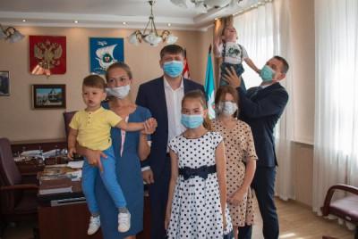 Андрей Кропоткин поздравил многодетную семью