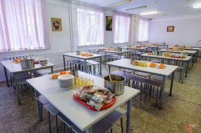 """""""Единая Россия"""" контролирует бесплатное питание в школах"""