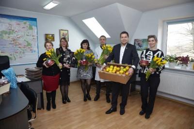 Единороссы региона поздравляют женщин с праздником