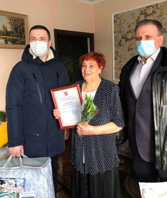 В Мамоново «Единая Россия» поздравила ветерана с праздником