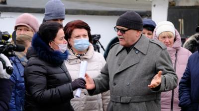Единороссы Калининграда обсудили с жителями насущные проблемы