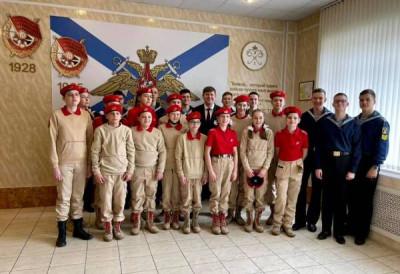 Андрей Кропоткин передал музею Балтфлота экспозицию про Героев России