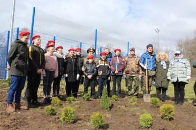 Единороссы Славска приняли участие в экологических акциях