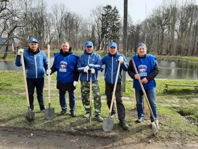 Единороссы региона приняли участие в экологической акции