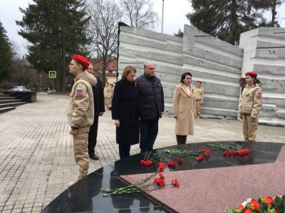 В Светлогорске единороссы региона почтили память советских воинов