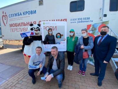 Единороссы Калининграда приняли участие в дне донора крови
