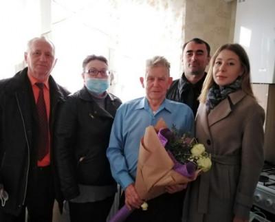 Единороссы Ладушкина поздравили ветерана с 90-летием