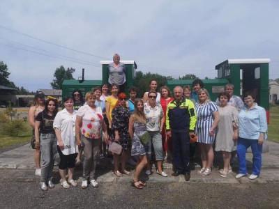 Единороссы Нестерова организовали экскурсию для социальных работников
