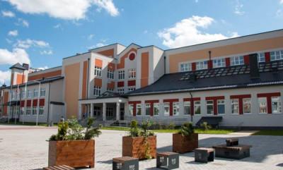 Единороссы Калининграда проверяют школы к новому учебному году