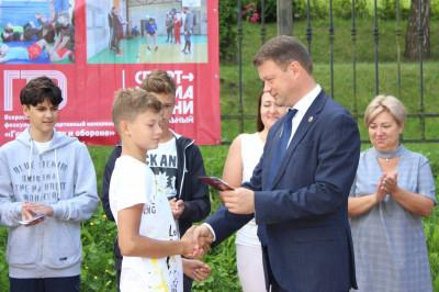 Единороссы Янтарного поздравили спортсменов муниципалитета
