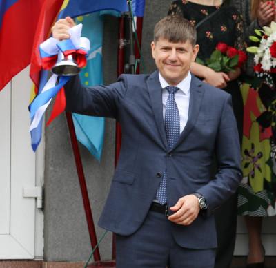 Единороссы поздравили школьников с Днём знаний
